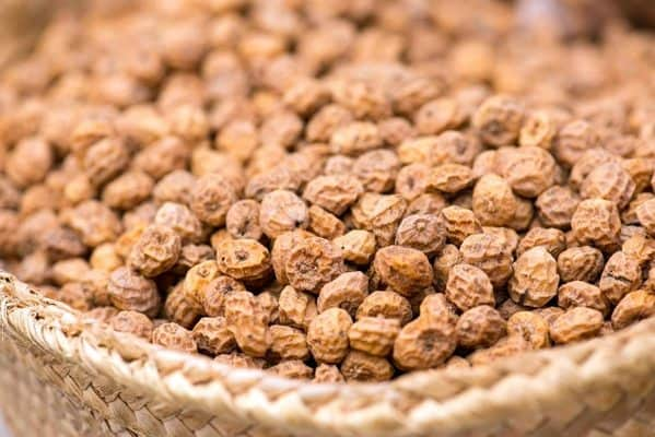 how-to-make-tiger-nut-drink-header-image-daisy-parenting
